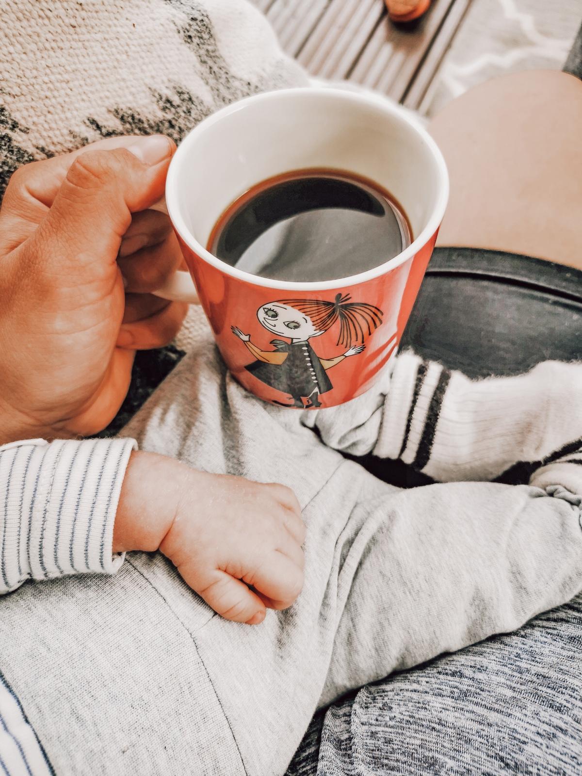Taaperon ja vauvan kanssa kolmisin – kuinka tästä selviäähengissä?